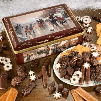 Diese edle Truhe zeigt die verschneite Idylle beim Eistanz und das rege Treiben auf einem Weihnachtsmarkt des vergangenen Jahrhunderts.