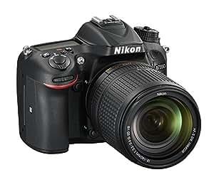 Nikon D7200 + Nikkor 18/140 VR Fotocamera Reflex Digitale, 24,72 Megapixel, Wi-Fi incorporato, NFC, SD 8GB 300x Premium Lexar, Colore Nero [Nital Card: 4 Anni di Garanzia]