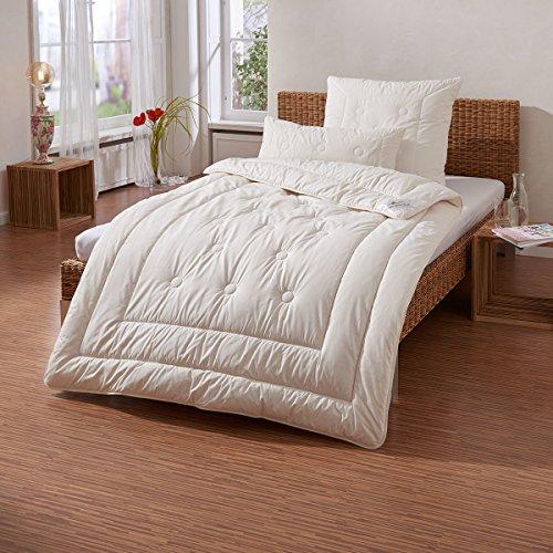 Traumschlaf Zirbendecke medium, Füllung: 100% Schurwolle mit Zirbenholzspänen 135x200 cm
