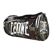 Il Borsone Leone Camouflage AC906 è molto resistente e versatile, in nylon 600D . Molto capiente, con tasche che permettono di separare l'attrezzatura, è adatto per tutti gli sport da combattimento e non. La tracolla imbottita ne consente il ...