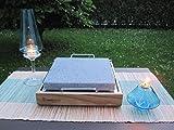 The cooking Stone Set Design Pietra ollare, bse in legno naturale per cucinare direttamente a tavola, condividere pietanze e grigliate all'aperto. immagine