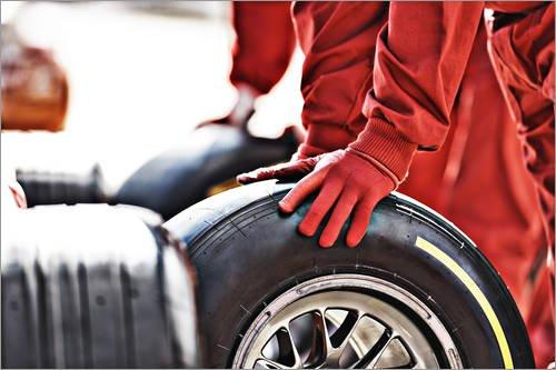 Póster 91 x 61 cm: F1 Rubber Change de Tom Merton/Fotofinder.com - impresión artística, Nuevo póster artístico