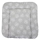 TupTam Baby Wickeltischauflage mit Baumwollbezug Gemustert, Farbe: Bärchen Grau, Größe: 75 x 85 cm