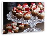 deyoli appetitliches Dessert mit Erdbeeren Effekt: Zeichnung im Format: 60x40 als Leinwandbild, Motiv fertig gerahmt auf Echtholzrahmen, Hochwertiger Digitaldruck mit Rahmen, Kein Poster oder Plakat