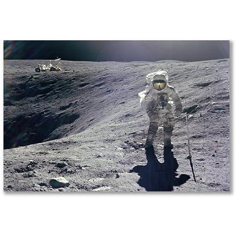 –Poster, motivo: astronauta Apollo 16RACCOLTA Lunar campioni extravehicular attività Cartesio prugna cratere (formato maxi–61x 91,5, Carta satinata semi-lucida, regalo Arte Home Decor decorativo)