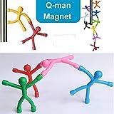 Q-man  Il piccolo magnete è un leggero, braccio magnetico e le gambe flessibilmente libero di piegarsi.  Potete torcere e piegare questi caratteri belli nella postura di ginnastica e appendere il vostro  Immagini, opere d'arte per bambini. mo...