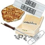 Geschenke 24: Witziges Grill-Brandeisen mit 80 Wechselbuchstaben und Holz-Geschenkebox für Grillbrenneisen originelles Grillbesteck Grillzubehör