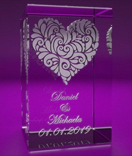 VIP-LASER 3D Glas Kristall Quader XL verziertes Herz und Deinen Namen + Datum im Hochformat Gravur. Persönliche Partnergeschenk Geschenk für Geburtstag, Jahrestag, Valentinstag Weihnachten! LED Sockel