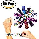 TOYMYTOY 50 pcs en forme de poitrine pour animaux / Heart Print Bracelet pour fête de fête des enfants (couleur aléatoire)
