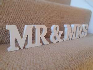 sass belle mr mrs holz buchstaben cremefarben. Black Bedroom Furniture Sets. Home Design Ideas