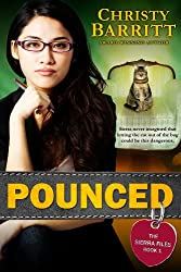 Pounced: The Sierra Files, Book 1 (a Squeaky Clean Mysteries spin-off) (English Edition)