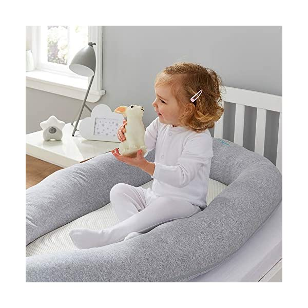 Purflo Breathable Maxi Nest Grey Marl - 6 to 36 Months PurFlo Use from 6 to 36 months as a multifunctional soft surface for quiet, mummy and rest time. Portable and lightweight; perfect for use home and away Hypoallergenic and anti-bacterial properties help reduce exposure to dust mites that aggravate allergies such as Asthma or Eczema. Waterproof inside base, protecting against leaks 5