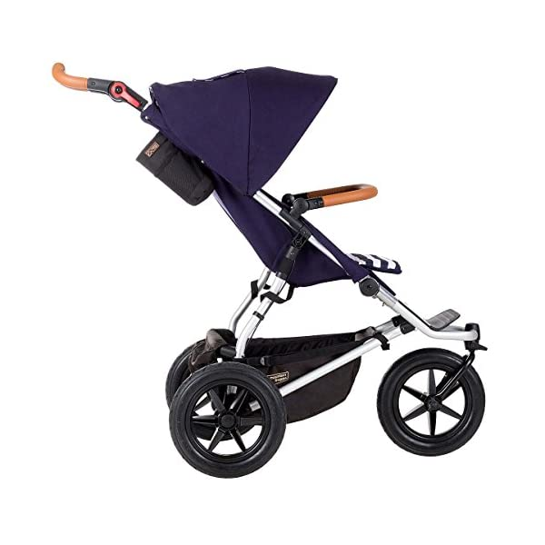 Mountain Buggy Model: Urban Jungle Luxury Collection Nautical Including Changing Bag and Baby seat (carrycot Plus) Mountain Buggy Box contents: 1 Mountain Buggy Urban Jungle Luxury Collection Nautical including changing bag and baby seat (carrycot plus) Product weight: 11.5 kg Seat load: 25 kg 4
