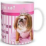 TRIOSK Tasse Hund Prinzessin Mops mit Lustigem Spruch was glotzt Du, Geschenk Frauen Mädchen Freundin Kollegin, Weiß Rosa Pink, 300 ml