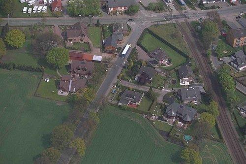 MF Matthias Friedel - Luftbildfotografie Luftbild von Quickborner Straße in Norderstedt (Segeberg), aufgenommen am 04.05.99 um 12:20 Uhr, Bildnummer: 0593-19, Auflösung: 3000x2000px = 6MP - Fotoabzug 50x75cm
