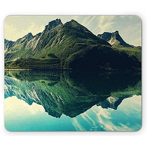 Strapazierfähig Mouse Mat,Landscape Mouse Pad Mountain Sharp Peaks Short Trees Reflected To A Quiet Lake Rectangle Non-Slip Rubber Mousepad 18X22Cm -