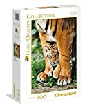 Bengal tiger cub between its mother's legs - 500 pieces - High Quality Collection Puzzle