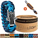 PARALOOP Deluxe  Exklusives Paracord Armband für Männer + Schlüsselanhänger mit Signalpfeife  in Handarbeit geflochten  mit Geschenkbox  Verschluss aus Edelstahl  Männerarmband  Blau Camo