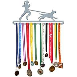 Porte-médailles motif «femme adepte de canicross» en acier inoxydable brossé, fabriqué en Grande-Bretagne