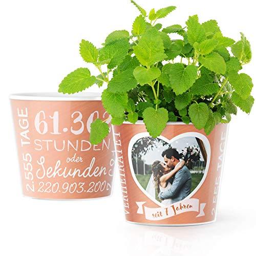 7. Hochzeitstag Geschenk – Blumentopf (ø16cm) | Geschenkidee zur Kupferhochzeit für Mann oder Frau mit Herz Bilderrahmen für 1 Foto (10x15cm) | Glücklich Verheiratet - 7 Jahre