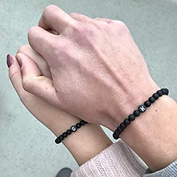 Partnerarmbänder | Freundschaftsarmbänder | -personalisiert -, matt schwarze Natursteinperlen | Valentinstag | Geschenkidee | Namensarmband |unisex
