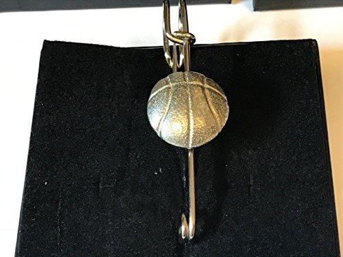 hal, Brosche und Kilt Pin Zinn 7,6cm 7,5cm geschrieben von uns Geschenke für alle 2016von Derbyshire UK (Basketball-brosche)