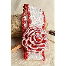Banda de pelo infantil tejida a crochet artesanal con flor de color blanquirojo