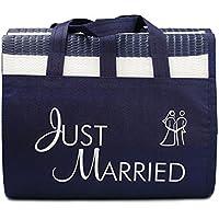 """Strandmatte """"Just Married"""" - eine witziges Geschenkidee für das Brautpaar, gestreifte Strandmatte mit dem Schriftzug """"Just Married"""""""