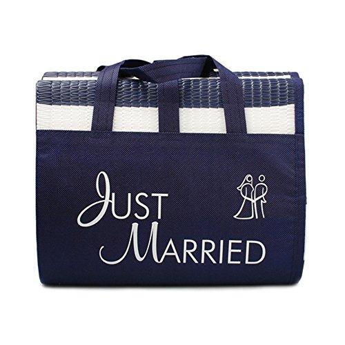 """Strandmatte """"Just Married"""" - eine witziges Geschenkidee für das Brautpaar, gestreifte Strandmatte mit dem Schriftzug """"Just Married"""