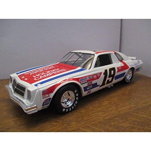 chevrolet-malibu-n19-1-24-dale-earnhardt-senior-1977-action