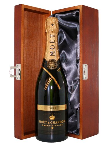 moet-and-chandon-grand-vintage-2006-brut-champagne-presented-in-a-luxury-hinged-stained-wooden-box-7