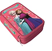 Astuccio a tre cerniere su cui è riportata l'immagine della principessa Elsa di Frozen della Disney. Chiusure a zip di colore celeste. Astuccio da 43 pezzi. Contiene: 18 pennarelli assortiti Giotto, 18 pastelli, 1 righello, 1 squadra, 1 matit...