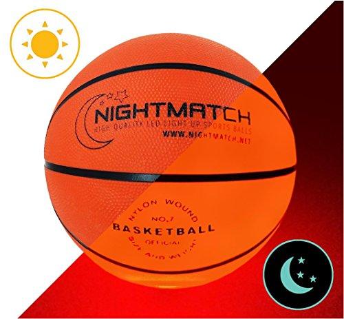 Balón de Baloncesto NightMatch que se Ilumina incl. Bomba de balón - LED Interior se enciende cuando se rebotado– Brilla en la Oscuridad - Tamaño 7 - Tamaño y Peso Oficial - Alta calidad – Balón de Baloncesto de Juguete que Brilla en la Oscuridad