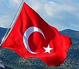 XL türkische Riesen- Flagge Fahne Bayrak Türk Türkei (1,00 x 1,50 METER)/ Premium-Qualität dicker gewebter ALPAKA Stoff (kein dünnes Nylon)/ sehr robust wetterbeständig/ korrekte Proportionen (Größe) von Halbmond und Stern/ satte Farben (farbecht)/ doppelt umsäumter Rand/ hissfertig mit 2 robusten Ösen