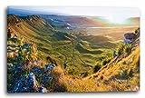 Printed Paintings Leinwand (100x70cm): Landschaftsbilder Grünes Tal mit Bunten Blumen und Sonnenl