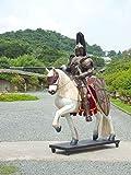 Ritter auf Pferd mit Lanze in Kampfpose lebensgroß Lebensgroßcm für draußen aus Hochwertiger Glasfaserkunststoff (GFK)
