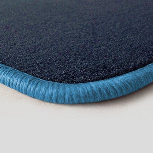 Preisvergleich Produktbild Eight Tec Handelsagentur V312ET_24593 Passgenaue Velours-Fußmatten Dunkelblau und Rand in Hellblau - Fahrzeugtyp in der Artikelbeschreibung beachten!