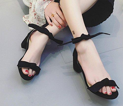 Sommer-Open-toed Schuhe mit hohen Absätzen beugen rau mit der Schnalle Sandalen Wort Black