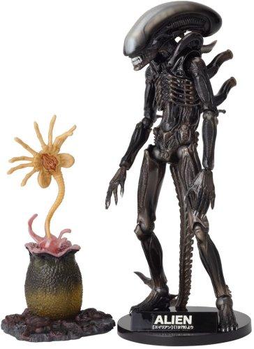 Alien Revoltech SciFi Super Poseable Action Figure #001 Alien Big Chap [Toy] (japan import) 1