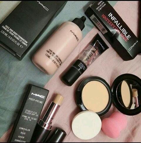 M.A.C Big Basket Combo Makeup Kit