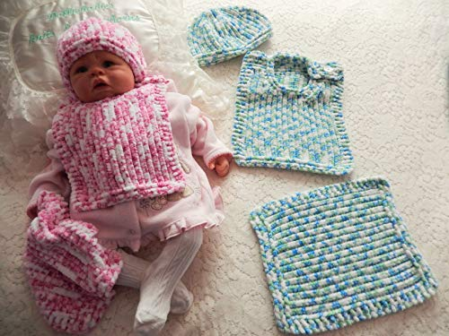 DollieBabies Knitting Pattern 51 - Bib, Beanie Hat & Comforter (English Edition) -