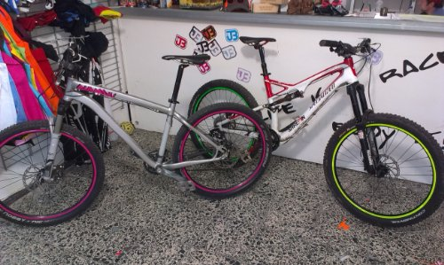 Bordo adesivo catarifrangente per cerchioni per la bicicletta, Mountain Bike, down hill, free ride, Dirt, Fully, hard Tail, ecc.