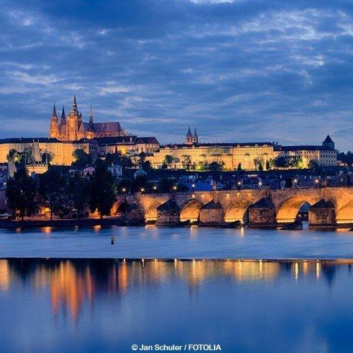Schein Bon d'achat de voyage 5jours dans le Hôtel 4* NH City découvrir Prague et profiter