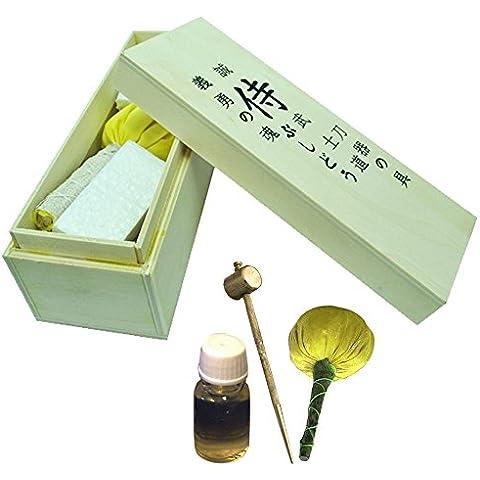 Senshi - Kit di pulizia per spade giapponesi da Samurai Katana Kit di manutenzione con panno, polvere, olio, punteruolo e martello in ottone