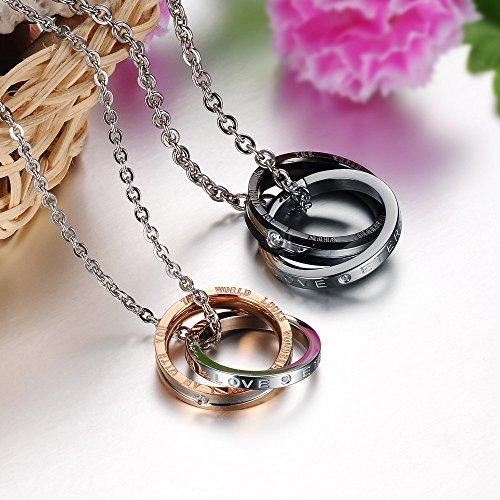 Kim Johanson Pärchen Halsketten für verliebte aus Edelstahl mit doppelten Ringen und Gravur inkl. Schmuckbeutel