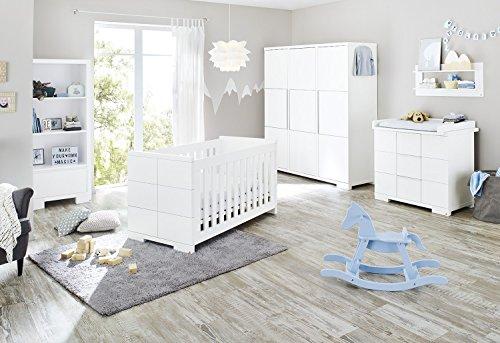 Pinolino Kinderzimmer Polar breit groß, 3-teilig, Kinderbett (140 x 70 cm), breite Wickelkommode mit Wickelaufsatz und großem Kleiderschrank, weiß Edelmatt  (Art.-Nr. 10 34 21 BG) -