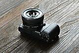Sony Alpha 5100 Systemkamera mit ultraschnellem Hybrid-AF (180° drehbares 7,62 cm (3 Zoll) LC-Display, 24,3 Megapixel, Exmor APS-C Sensor, Full HD Video) inkl. SEL-P1650 schwarz - 5