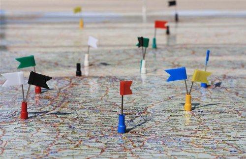 Landkarte / Magnet-Karte Deutschland, inkl. Magnete und Fähnchen, Strassen-Karte magnetisch, für Magnetkarte Organistation / Planung
