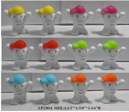 sel-poivre-personnes-ceramique-blanche-avec-silicone-chapeaux-bleu