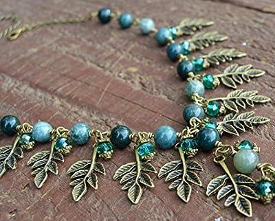 Collier forêt vert / pendentif Agate / mousse du forêt / elfique / collier feuilles bronze et petits cristaux vert du jade / féerique / hippie / sorcière / wicca / pagan / païen / dark mori / strega / Bohême